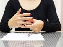 Ngày ly hôn, chồng cũ cho tôi thêm 500 triệu để yêu cầu tôi làm một việc khó nghĩ