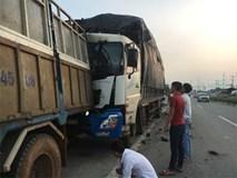 Dừng sửa xe, tài xế xe tải chở củi bị xe chở than tông chết thương tâm