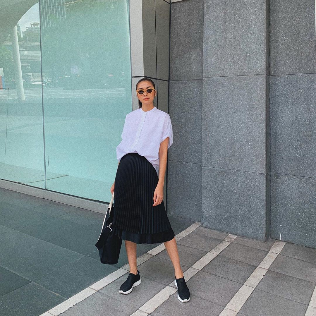 Làm chủ công thức diện đồ đen - trắng với 13 ý tưởng từ sao nữ Việt, và style của bạn sẽ lên đời thấy rõ-1