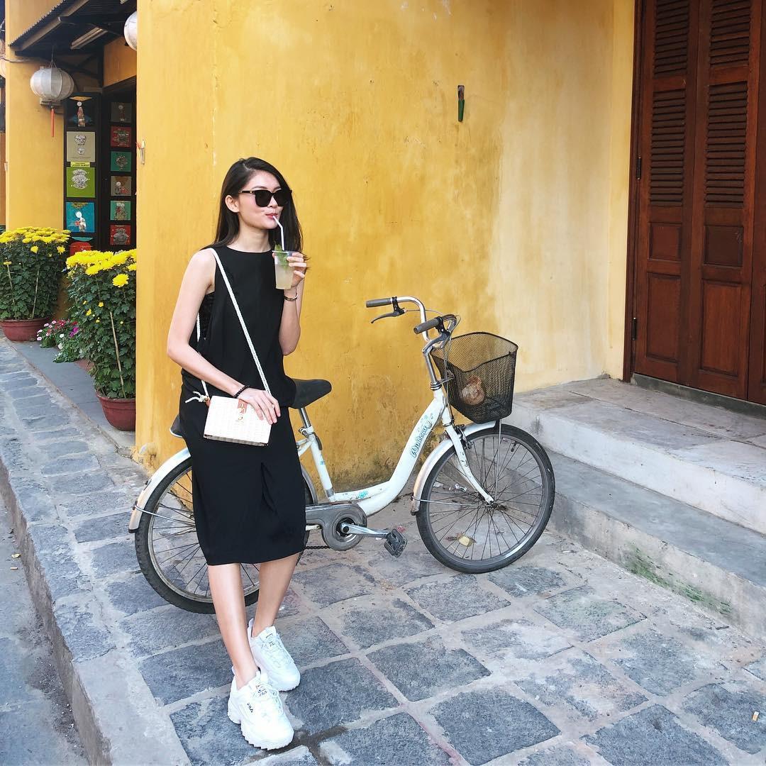 Làm chủ công thức diện đồ đen - trắng với 13 ý tưởng từ sao nữ Việt, và style của bạn sẽ lên đời thấy rõ-10