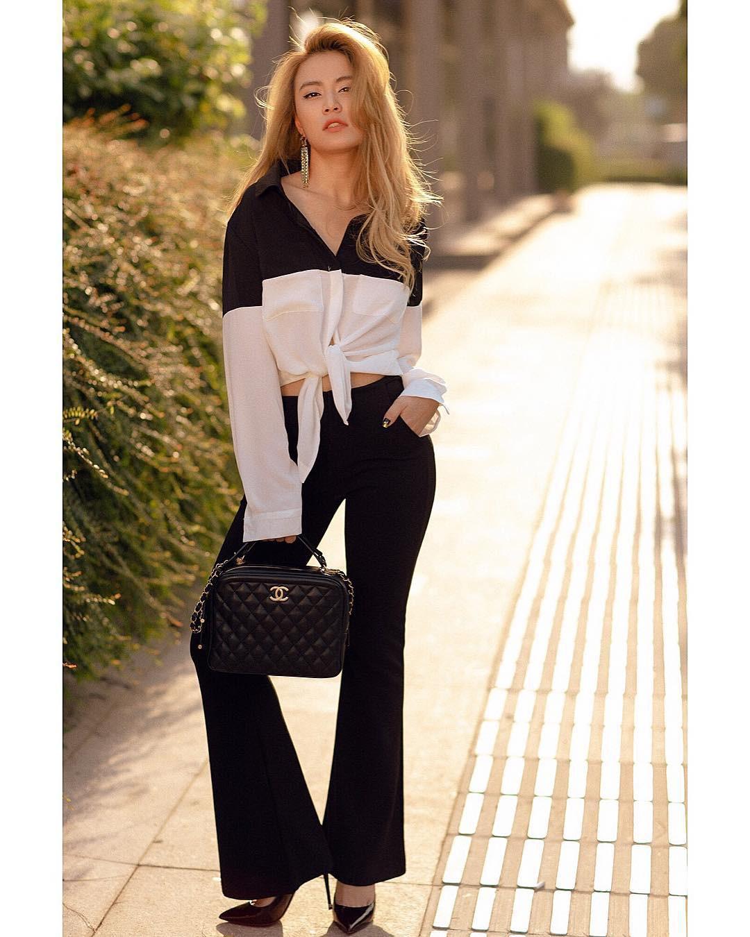 Làm chủ công thức diện đồ đen - trắng với 13 ý tưởng từ sao nữ Việt, và style của bạn sẽ lên đời thấy rõ-12