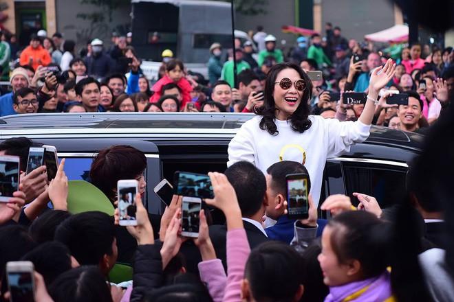 Bị soi viết status bằng tiếng Anh trong khi fan toàn người Việt, Mỹ Tâm đáp trả đầy khí chất khiến ai nấy vỗ tay rào rào-4