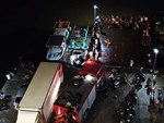 Tìm thấy thi thể bé trai 4 tuổi rơi xuống biển Hạ Long, bà và mẹ quỵ ngã-7