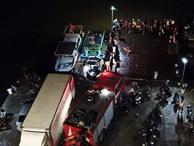 Bé trai 4 tuổi trượt chân rơi từ thuyền xuống biển, hàng trăm người tìm kiếm trong đêm