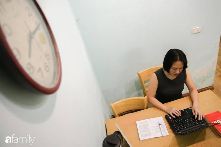 Bí quyết chi tiêu của mẹ đơn thân Hà Nội, thu nhập hơn chục triệu, ở nhà thuê vẫn vay tiền cho con du học vài trăm triệu/năm-2