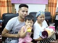 Sau bao ngày mong đợi, mẹ ung thư giai đoạn cuối hạnh phúc đón con trai Bình An xuất viện