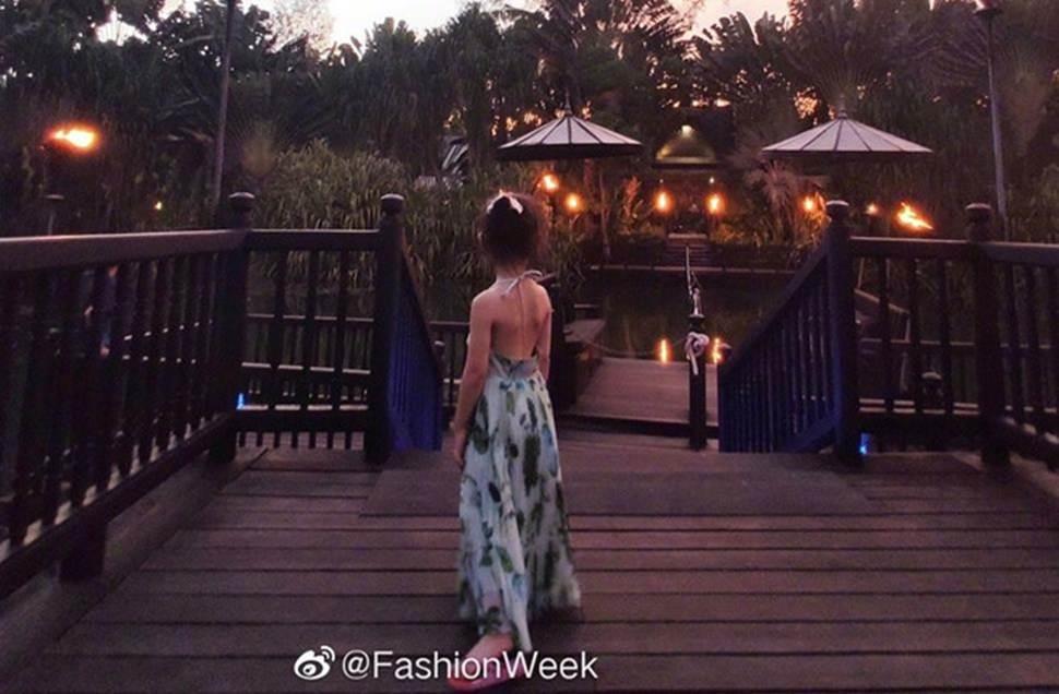 Con gái 3 tuổi của Hoa hậu Trương Tử Lâm sớm sở hữu đôi chân dài-3