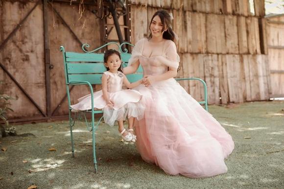Cuồng phim công chúa từ nhỏ, Hải Băng quyết tâm chụp một bộ ảnh như trong truyện cổ tích với con gái-2