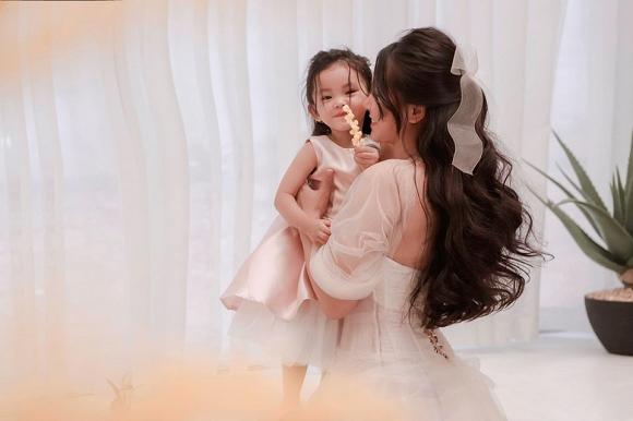 Cuồng phim công chúa từ nhỏ, Hải Băng quyết tâm chụp một bộ ảnh như trong truyện cổ tích với con gái-6