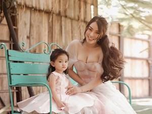 Cuồng phim công chúa từ nhỏ, Hải Băng quyết tâm chụp một bộ ảnh như trong truyện cổ tích với con gái