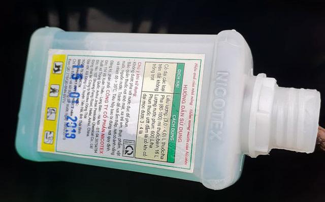 Gia đình ở Phú Thọ tố bị bỏ thuốc sâu vào bồn nước, 3 người phải đi cấp cứu-1