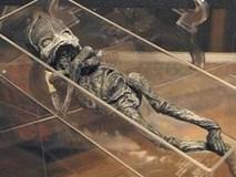 """Hé lộ thân phận thực sự về sinh vật lạ nghi là """"em bé ngoài hành tinh"""" mang lời nguyền chết chóc từng gây rúng động cách đây 23 năm"""