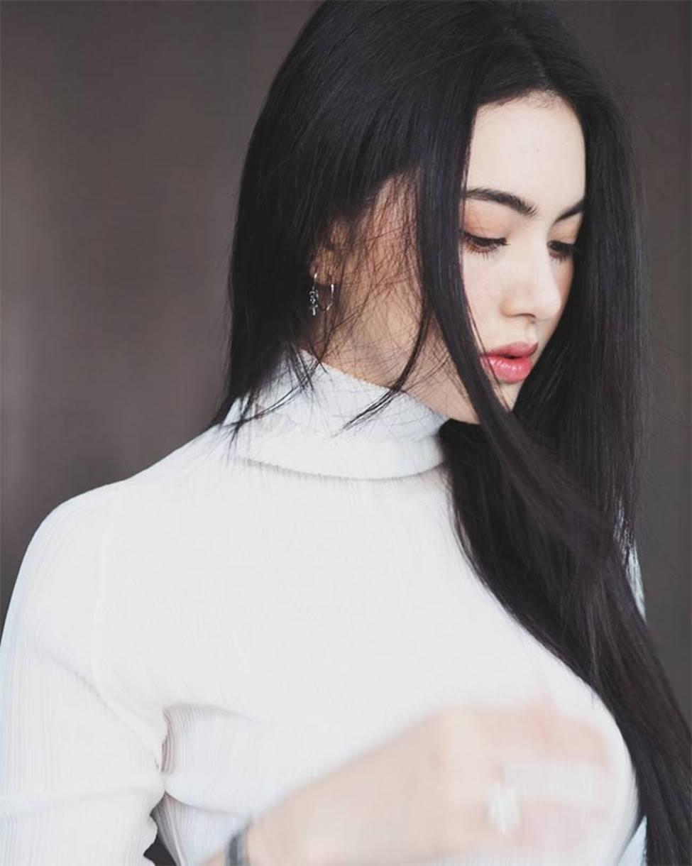Học ma nữ đẹp nhất Thái Lan cắt phăng tóc dài, để 1001 kiểu tóc ngắn quyến rũ-1