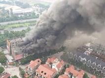 Cháy dữ dội ở Thiên đường Bảo Sơn, ít nhất 4 căn hộ liền kề bị thiêu rụi