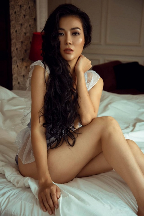 Diễn viên Thanh Hương táo bạo chào bình minh bên giường ngủ cực bỏng mắt-10