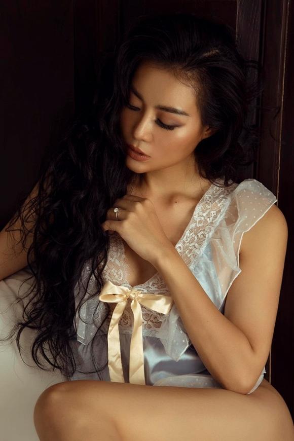 Diễn viên Thanh Hương táo bạo chào bình minh bên giường ngủ cực bỏng mắt-7