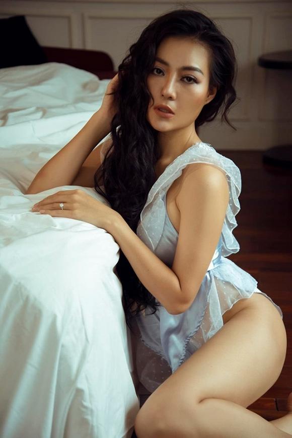 Diễn viên Thanh Hương táo bạo chào bình minh bên giường ngủ cực bỏng mắt-9