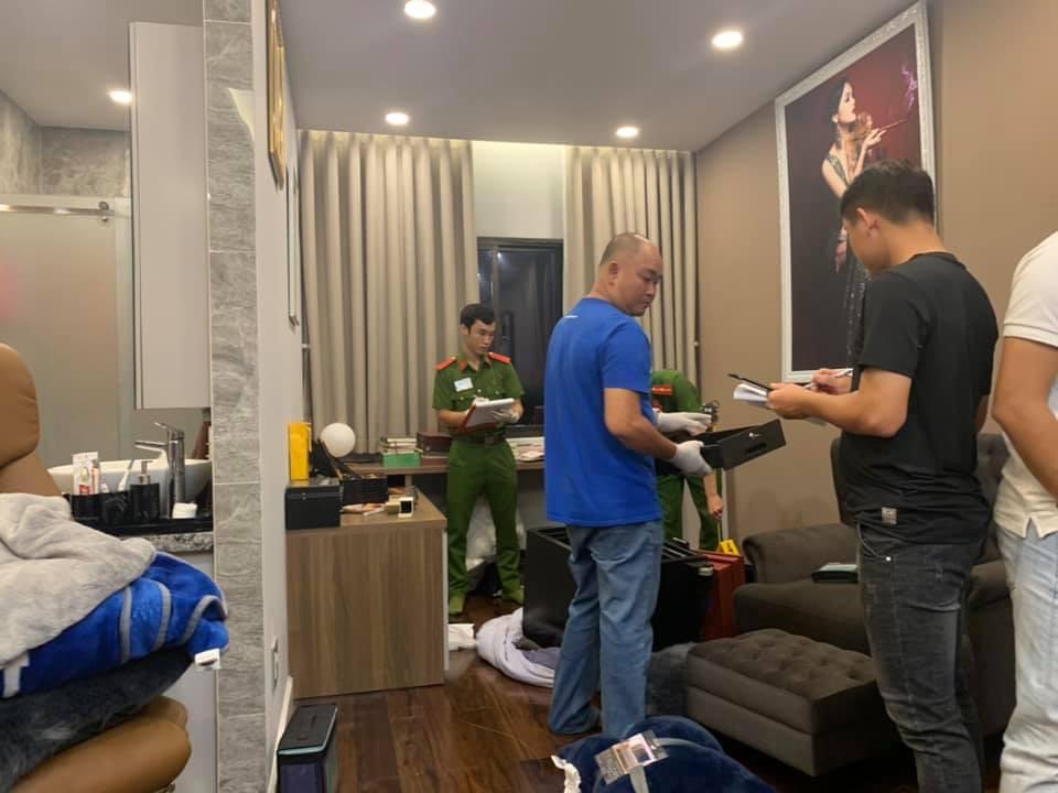 Cận cảnh khám nghiệm hiện trường vụ trộm hơn 5 tỷ đồng trong căn biệt thự của ca sĩ Nhật Kim Anh-5