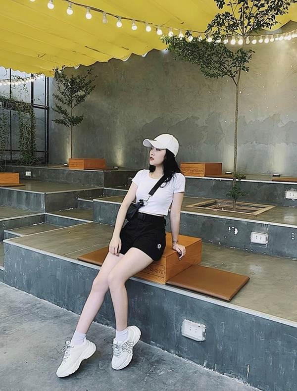 Bạn gái hotgirl của Đoàn Văn Hậu tung ảnh bikini khiến fan xuýt xoa-9