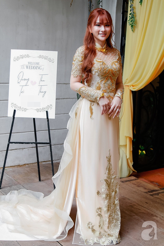 Cô dâu Thu Thủy xinh đẹp rực rỡ, e ấp bên chú rể kém 10 tuổi trong ngày đón dâu-10