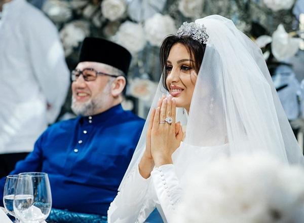 HOT: Nữ hoàng sắc đẹp Nga ly dị cựu vương Malaysia sau 1 năm kết hôn, khi vừa sinh con được 2 tháng-1