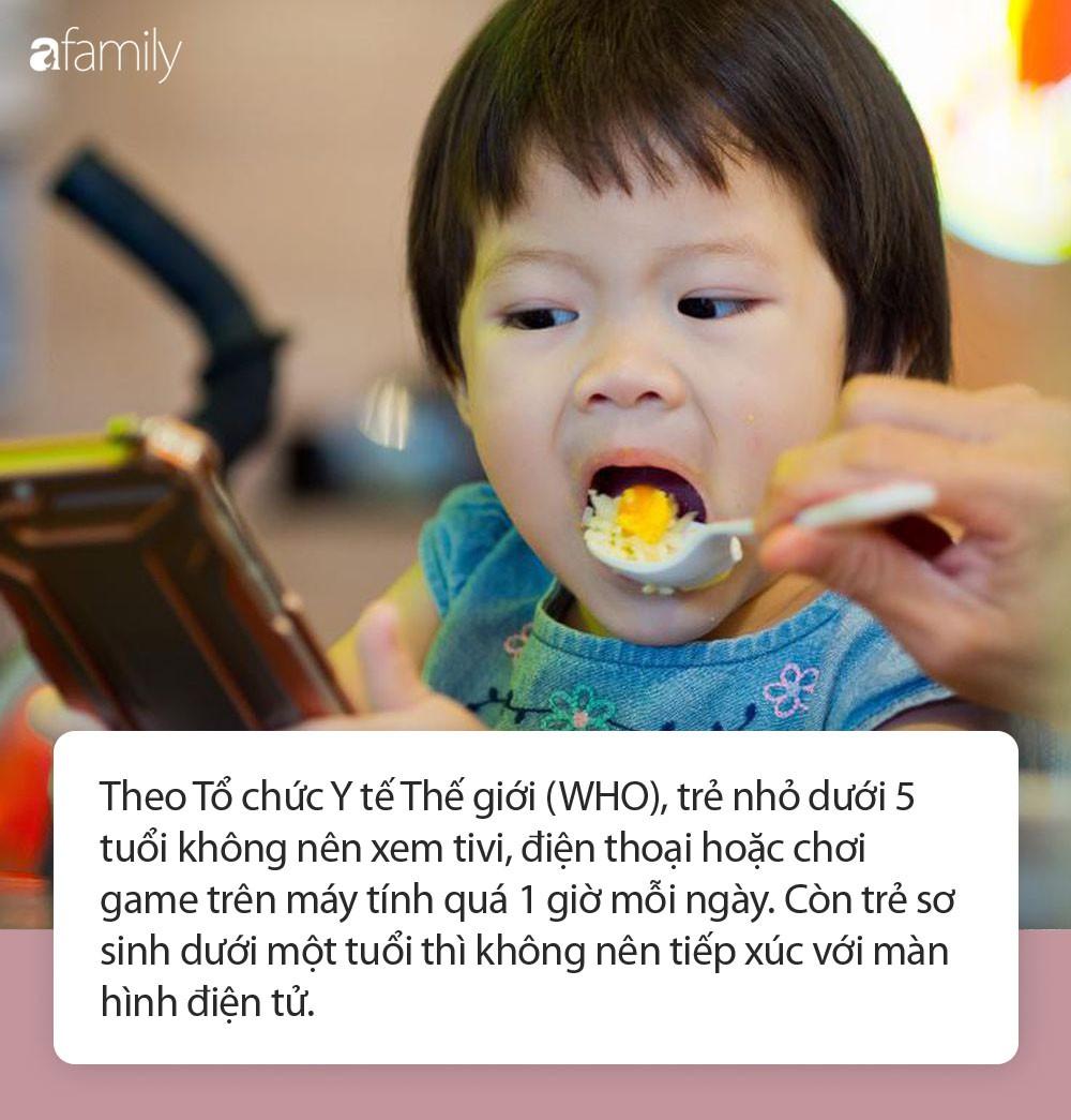 Cứ đua nhau cai nghiện điện thoại cho con bằng những cách này, cha mẹ không biết rằng đang làm hại con-3