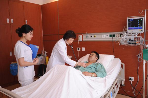 Vingroup hợp tác ĐH Mỹ xây 'Trung tâm xuất sắc' về tim mạch và ung bướu-3
