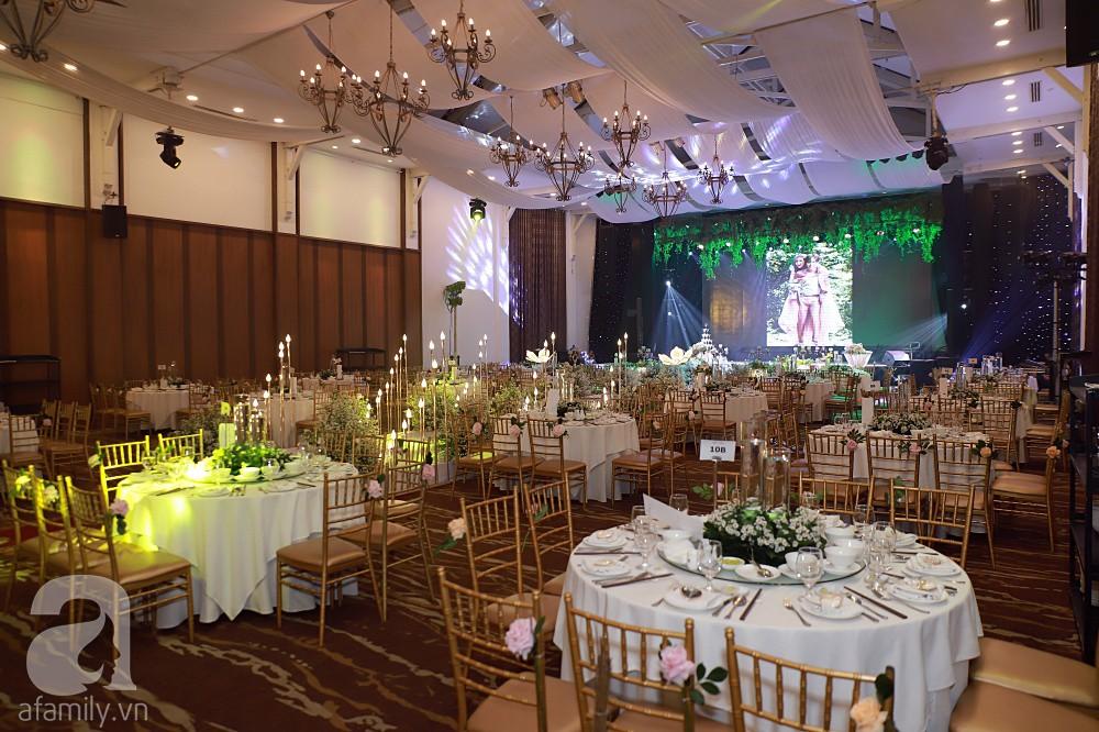 Không gian tiệc cưới ấm cúng, ngập tràn hoa tươi của Thu Thủy và ông xã kém 10 tuổi-11