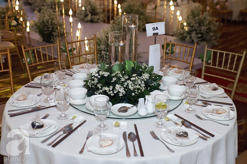 Không gian tiệc cưới ấm cúng, ngập tràn hoa tươi của Thu Thủy và ông xã kém 10 tuổi-16