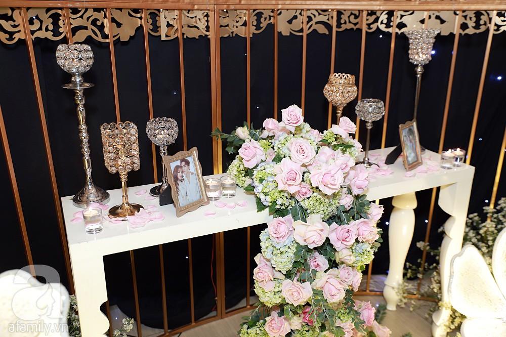 Không gian tiệc cưới ấm cúng, ngập tràn hoa tươi của Thu Thủy và ông xã kém 10 tuổi-8