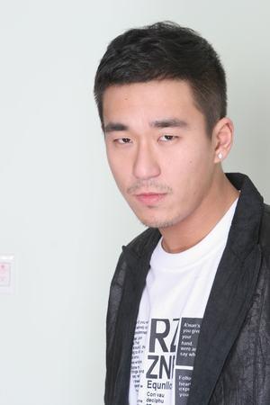 Con trai Trương Quốc Lập: Đánh đập bạn gái, ra tù vào tội vì nghiện ngập vẫn làm giám đốc-6