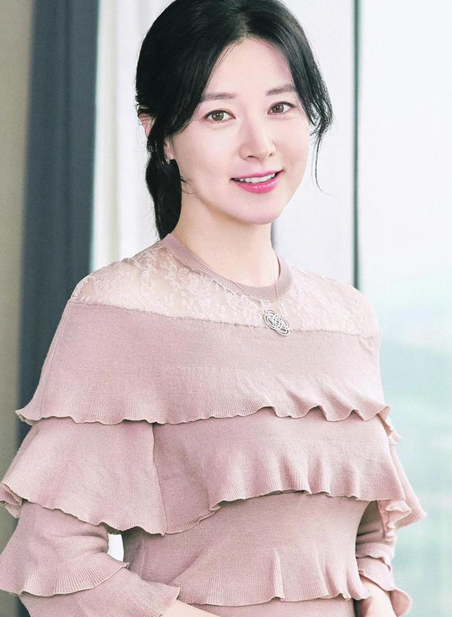 Choáng với nhà Song Hye Kyo thuê hậu ly hôn: Villa siêu xa xỉ, hàng xóm là Lee Young Ae, mỹ nam BTS và dàn sao khủng-6