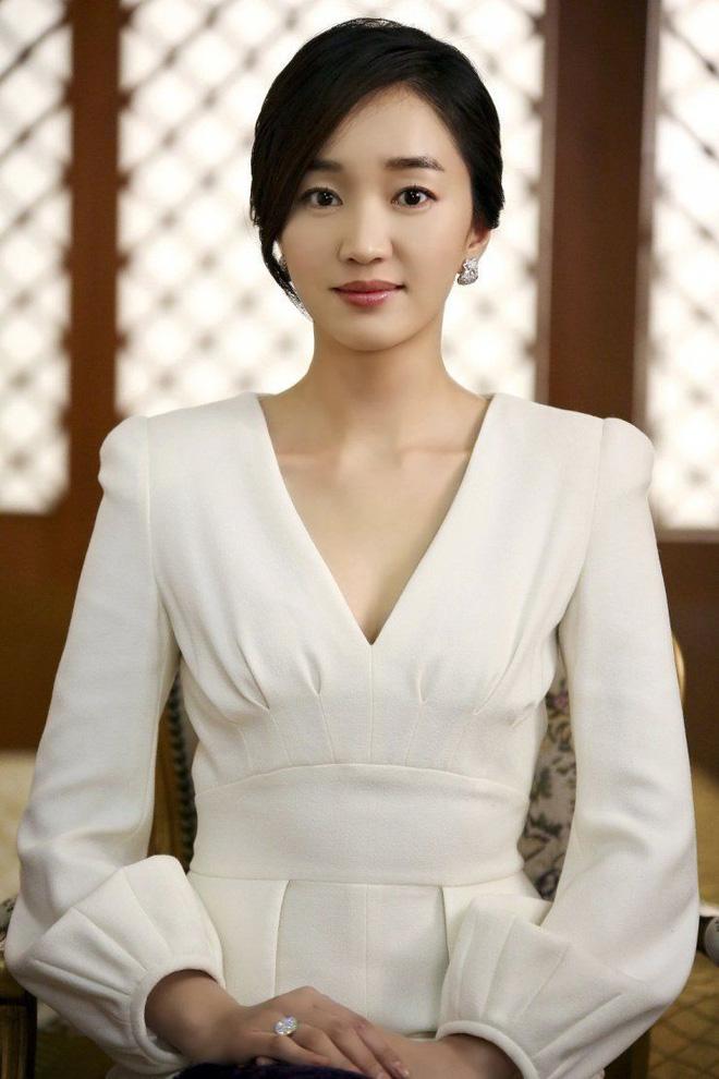 Choáng với nhà Song Hye Kyo thuê hậu ly hôn: Villa siêu xa xỉ, hàng xóm là Lee Young Ae, mỹ nam BTS và dàn sao khủng-12