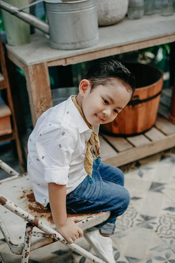Con trai Khánh Thi - Phan Hiển đốn tim fan trong bộ ảnh mừng sinh nhật 4 tuổi đáng yêu-5