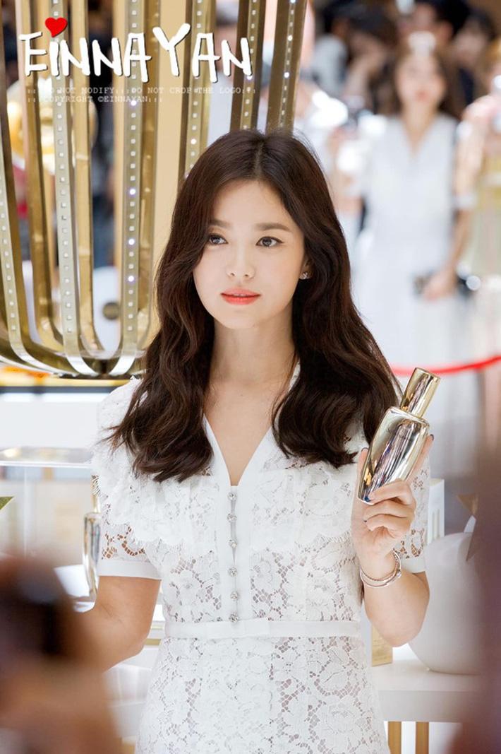 """Nóng trước lạnh sau"""" - bí kíp rửa mặt chống lão hóa giúp Song Hye Kyo giữ vững nhan sắc tường thành-1"""