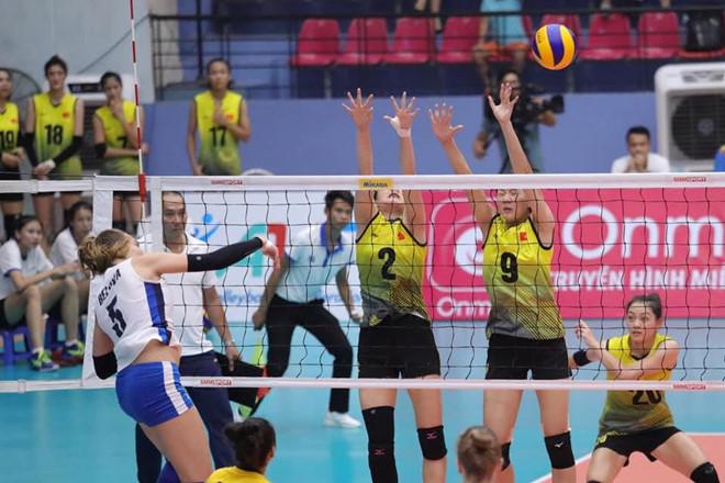 U23 Việt Nam vào bán kết giải bóng chuyền nữ châu Á-1