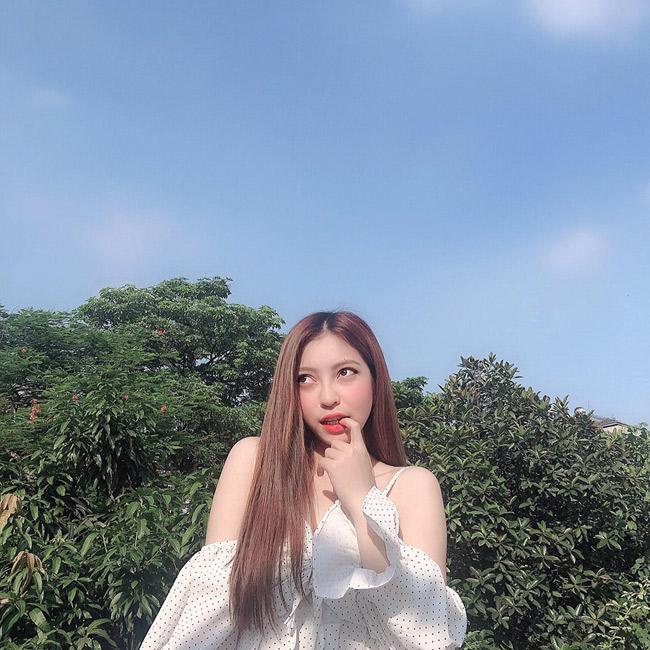 Bạn gái Quang Hải mỗi lần xuất hiện lại khiến mọi người phải trầm trồ-1