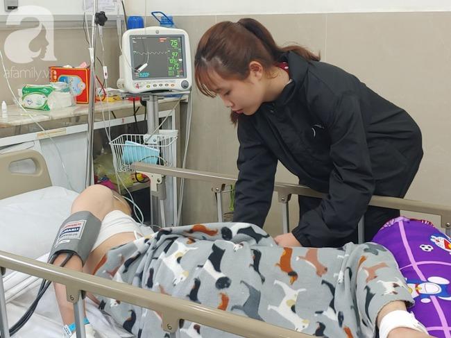 Con trai bị tai nạn dập não, bố chỉ nói câu đang bận rồi cúp máy, người mẹ nghèo bật khóc giữa bệnh viện-10