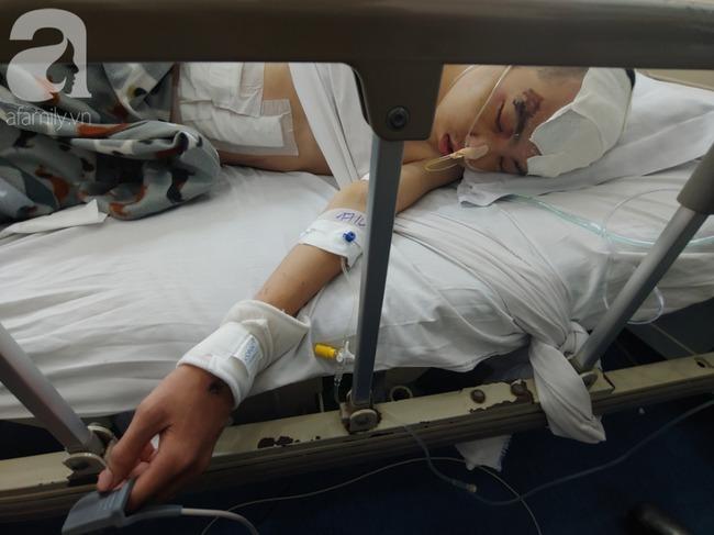 Con trai bị tai nạn dập não, bố chỉ nói câu đang bận rồi cúp máy, người mẹ nghèo bật khóc giữa bệnh viện-11