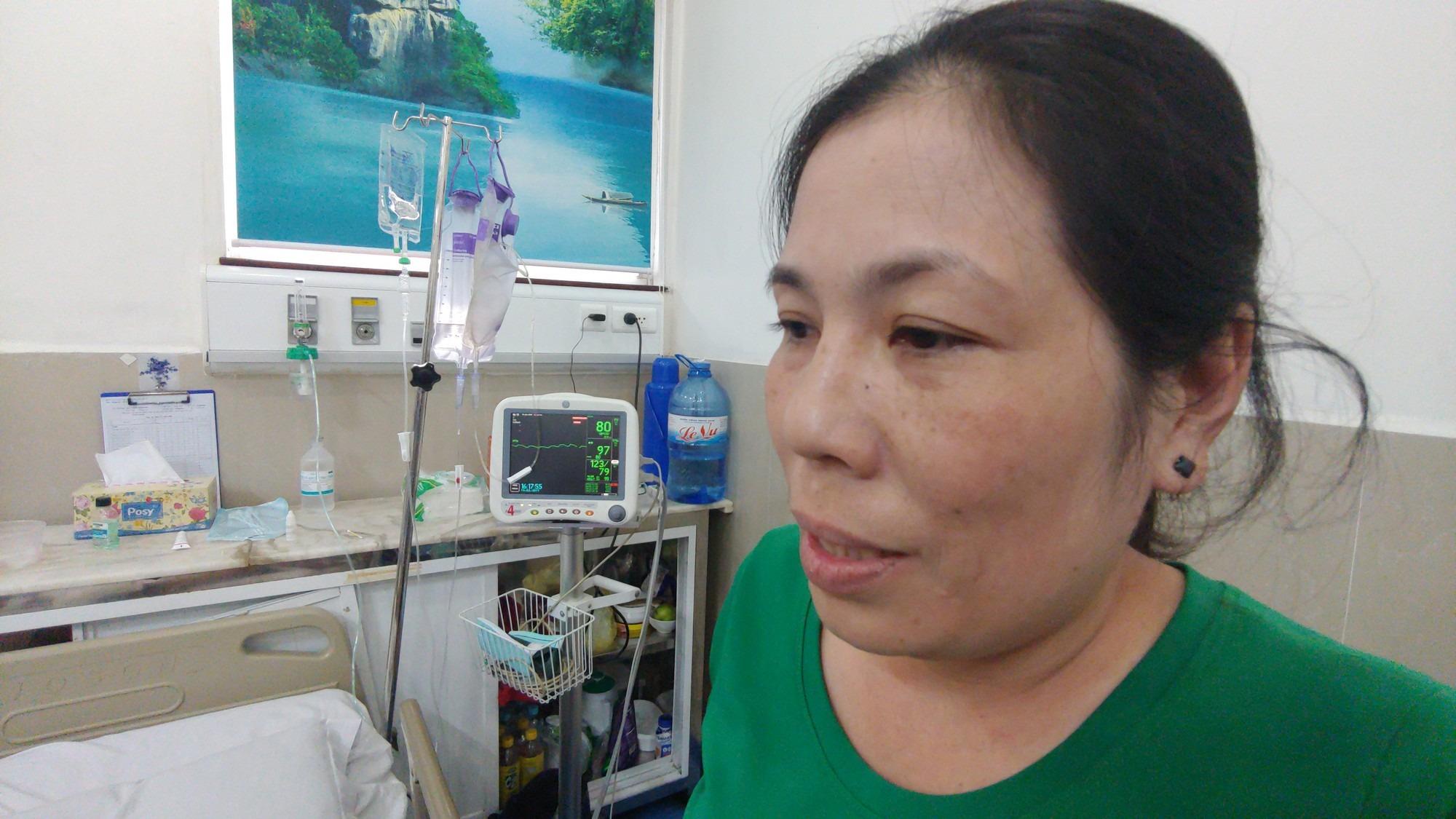 Con trai bị tai nạn dập não, bố chỉ nói câu đang bận rồi cúp máy, người mẹ nghèo bật khóc giữa bệnh viện-12