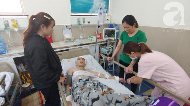 Con trai bị tai nạn dập não, bố chỉ nói câu đang bận rồi cúp máy, người mẹ nghèo bật khóc giữa bệnh viện-14