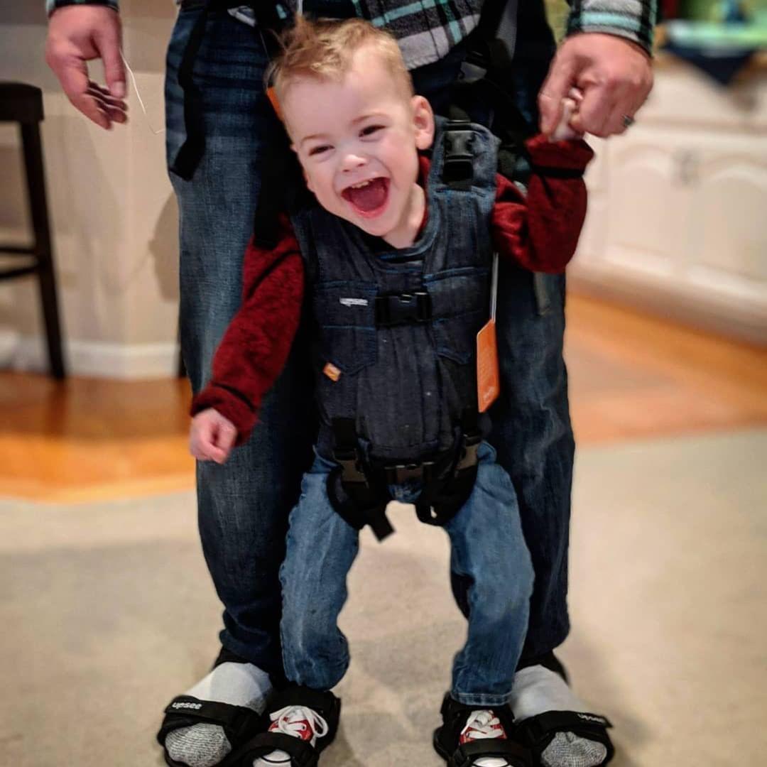 Người phụ nữ vì thương con mà tạo ra thứ mang lại nụ cười cho trẻ em tật nguyền trên thế giới-3