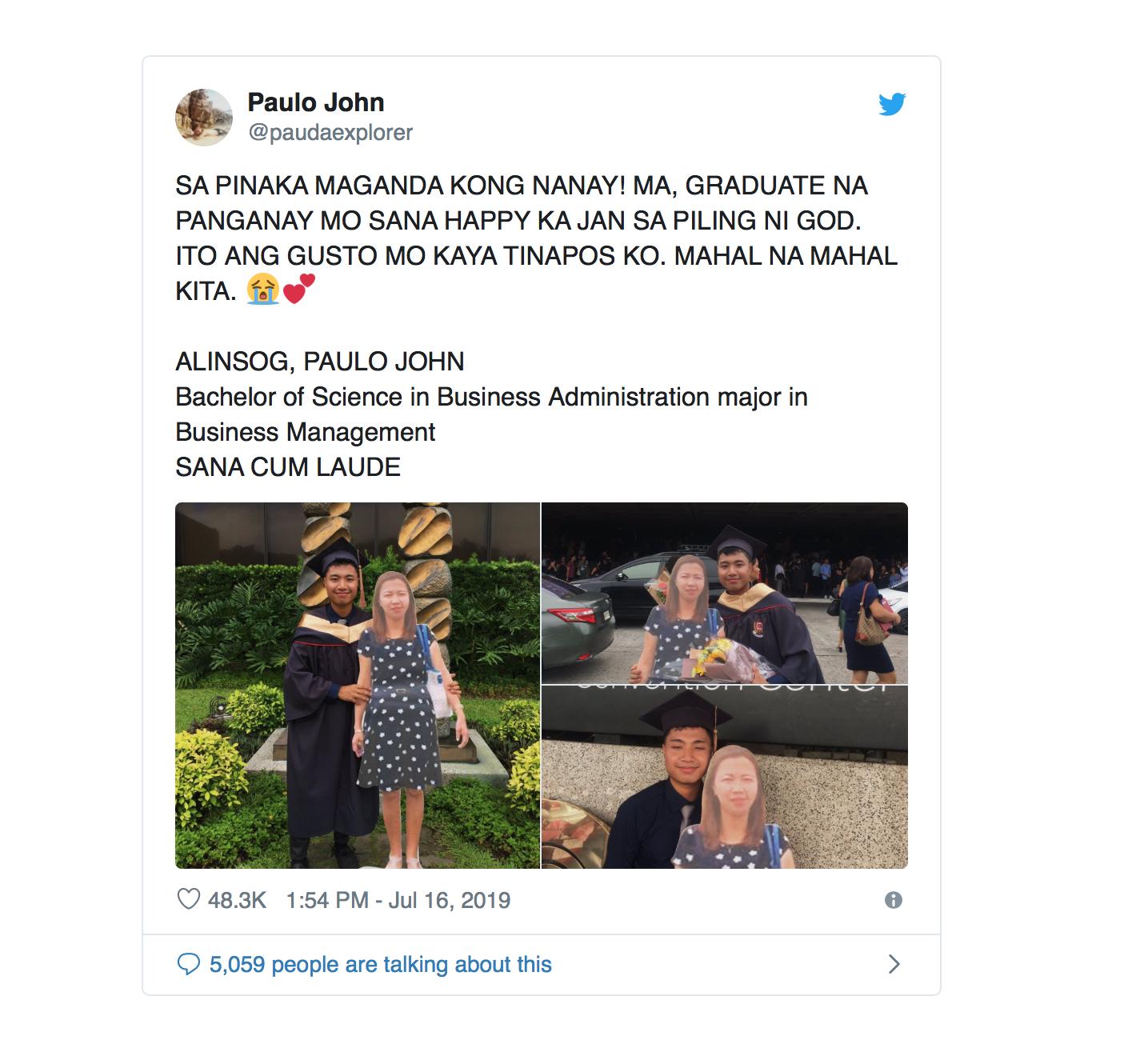 Chụp ảnh cùng standee người mẹ quá cố trong lễ tốt nghiệp, nam sinh khiến dân mạng xúc động nghẹn ngào-2