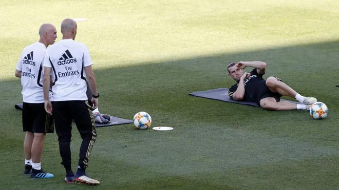 HLV Zidane tiếp tục đóng băng Gareth Bale-2