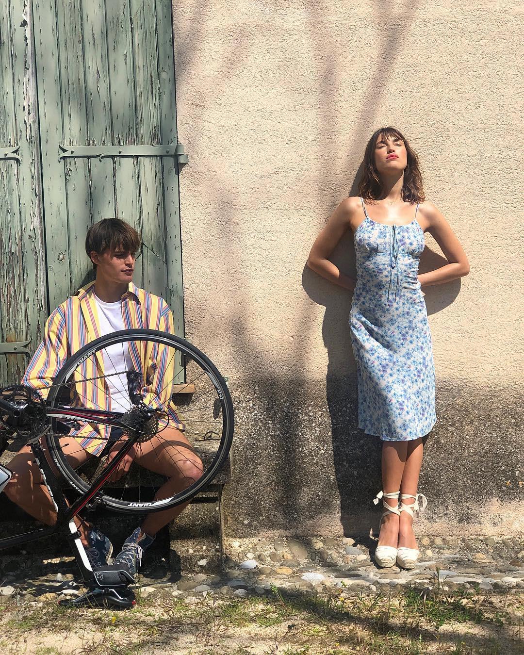 Với 5 items ai mặc cũng đẹp, phụ nữ Pháp đã sở hữu gu thời trang khiến cả thế giới ngưỡng mộ-8