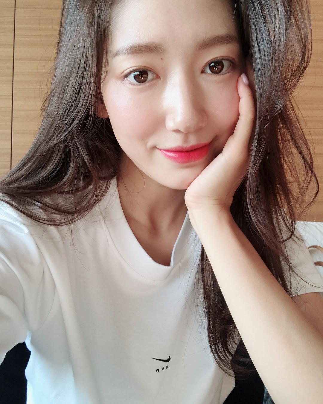 Lời khuyên kim cương từ các sao nữ Hàn: 7 bí kíp skincare có thể mang đến cho bạn làn da đẹp căng giống họ-1