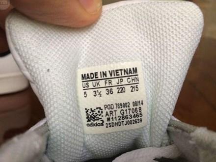 Hàng Trung Quốc nhập về Việt Nam đã ghi sẵn 'Made in Vietnam'