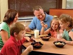Học phí đắt đỏ, sinh viên Mỹ nhịn đói, bỏ bữa để có tiền trang trải-4