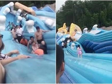 Nhà phao trượt nước bị sụp vì quá tải khiến 1 bé gái 8 tuổi tử vong và nhiều người khác bị thương