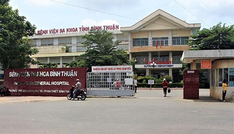 Nữ điều dưỡng bị người nhà bệnh nhân hành hung phải nhập viện-1